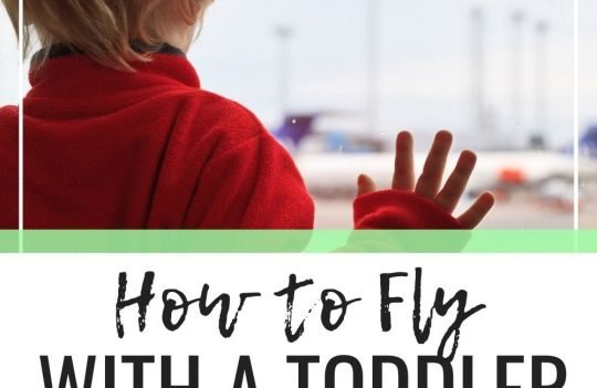 Insanely simple Tips For Easy Flying With A Toddler. Whether your flying with toddlers in lap or in a car seat, these tips will help make your flight an enjoyable one. Regardless of whether you fly alone with your toddler or with a companion, these tips will help you get to your destination without a grumpy toddler. Plus, get free printable packing lists for toddlers.