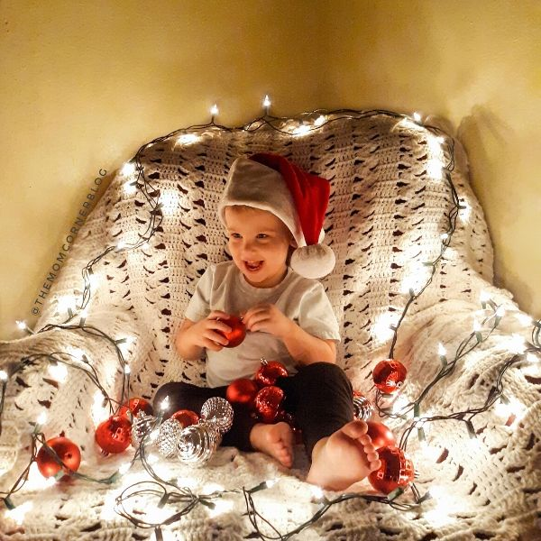 How To Take Christmas Photos With Kids
