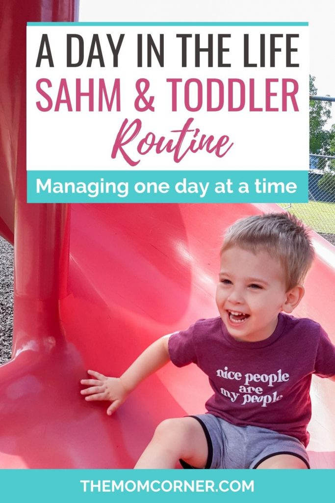 A Day In The Life Of A Stay At Home Mom And Toddler. Get an exclusive look into how this stay at home mom structures her day with her toddler. In this stay at home mom schedule, you can get plenty of ideas to include in your own daily schedules or stay at home mom routine. Perfect routine for a two year old toddler and SAHM.